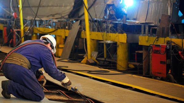 Công nhân tại xưởng đóng tàu - Sputnik Việt Nam