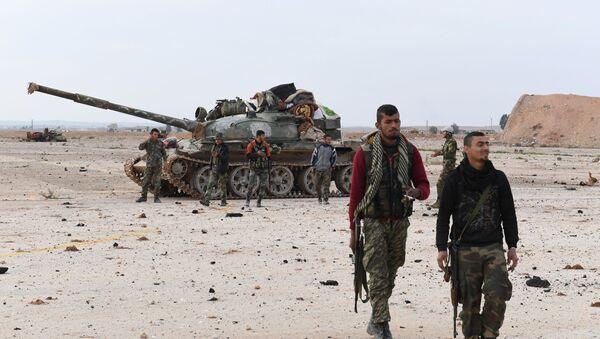Сирийские правительственные войска в районе аэропорта Абу-Духур в провинции Идлиб - Sputnik Việt Nam