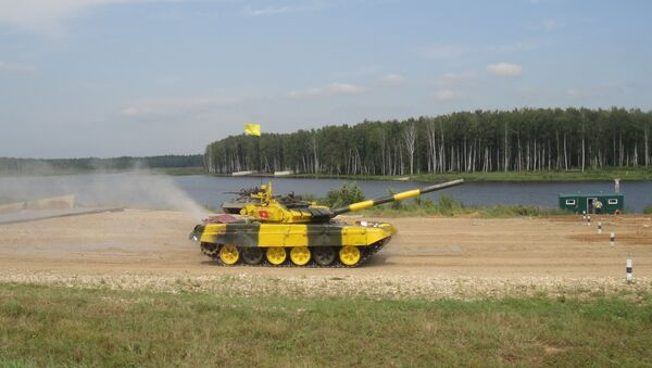 Lính tăng Việt Nam xuất phát trong cuộc thi Tank biathlon - Sputnik Việt Nam
