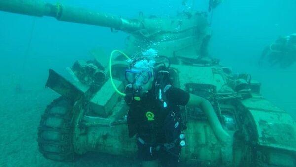 Công viên thiết bị quân sự dưới biển đã được thiết lập ở Lebanon: san hô mọc trên xe tăng - Sputnik Việt Nam