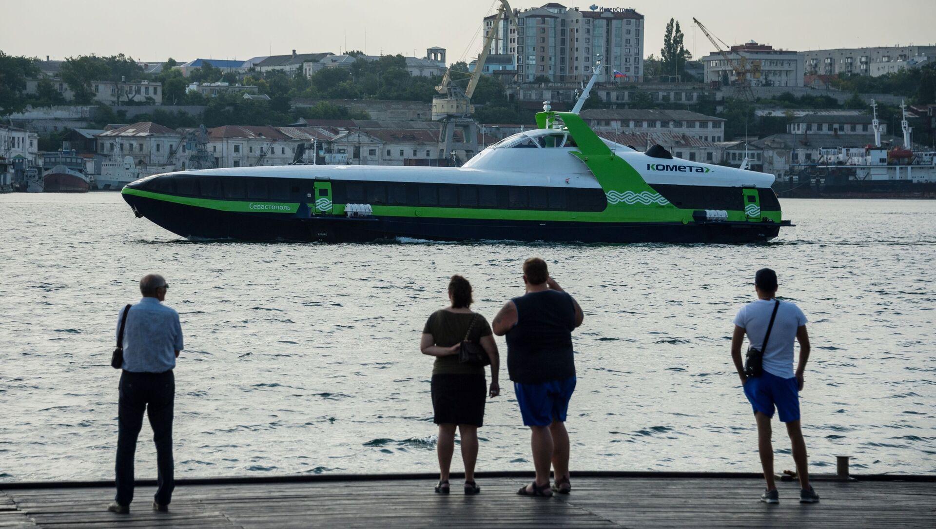 Chuyến đi đầu tiên của tàu chở khách ven biển tốc độ cao Kometa 120M giữa Sevastopol và Yalta - Sputnik Việt Nam, 1920, 21.08.2021