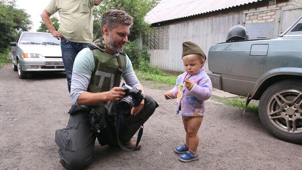 Andrei Stenin tại Donbass - Sputnik Việt Nam