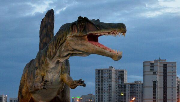 Con khủng long trong công viên giải trí Yurkin Park Travel ở Kazan - Sputnik Việt Nam
