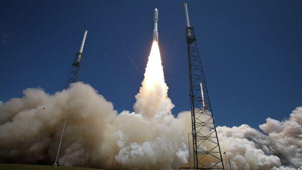 Tên lửa Atlas-V United Launch Alliance với vệ tinh NASA InSight - Sputnik Việt Nam
