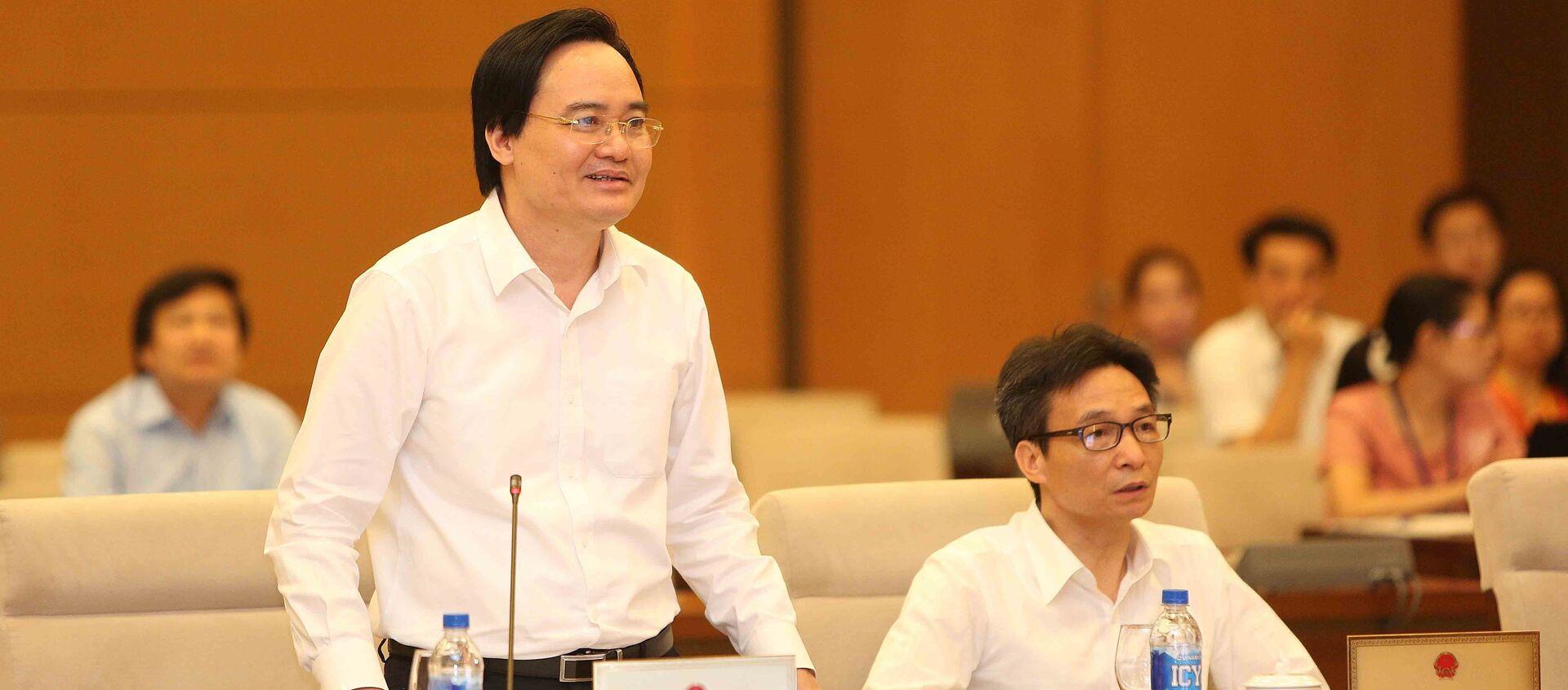 Bộ trưởng Bộ Giáo dục và Đào tạo Phùng Xuân Nhạ phát biểu tiếp thu ý kiến. - Sputnik Việt Nam, 1920, 08.08.2018