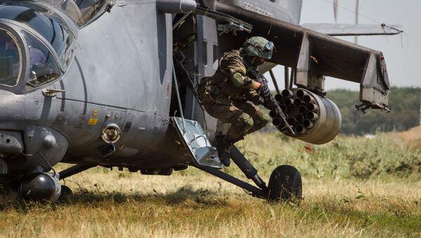 Các chuyến bay huấn luyện của máy bay trực thăng Mi-35M ở khu vực Krasnodar - Sputnik Việt Nam