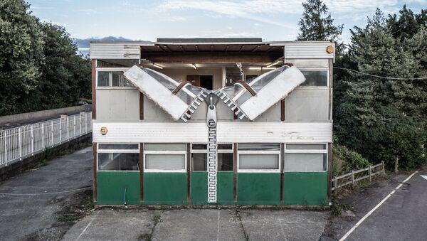 Kiến trúc sư Anh xây dựng ngôi nhà có khóa phéc-mơ-tuya - Sputnik Việt Nam