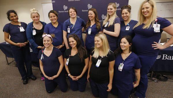 16 cô y tá bệnh viện Arizona đồng loạt mang thai - Sputnik Việt Nam