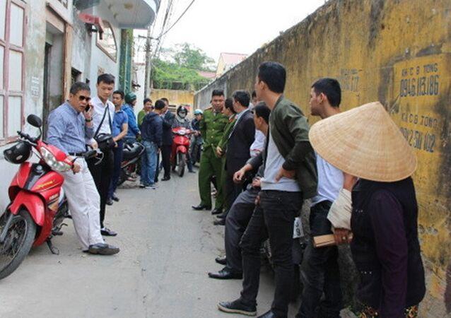 Công an bắt các đối tượng tại phường Trần Tất Văn