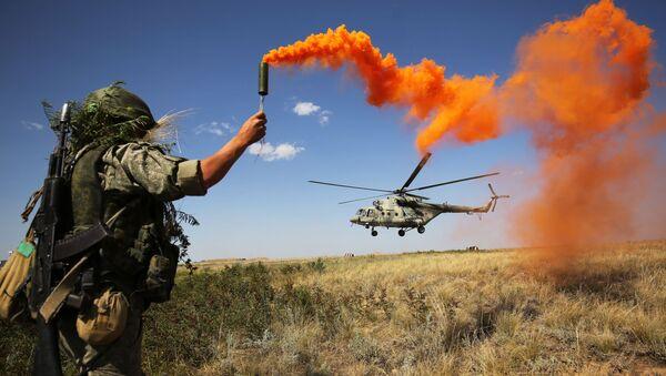 Quân nhân tại cuộc diễn tập của Quân khu Đông Nam ở tỉnh Volgograd, LB Nga - Sputnik Việt Nam