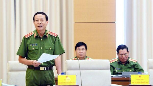 Thứ trưởng Bộ Công an Lê Quý Vương giải trình tại phiên thẩm tra. - Sputnik Việt Nam