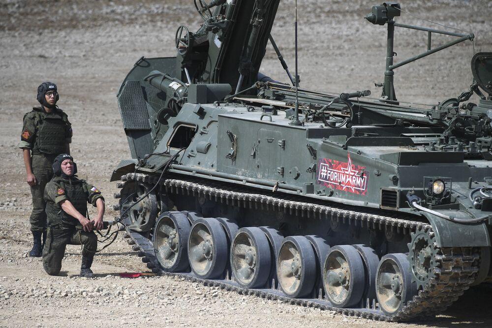 """Pháo tự hành Маlka trong chương trình trình diễn trong khuôn khổ diễn đàn kỹ thuật quân sự quốc tế lần thứ Tư """"Quân đội-2018"""""""