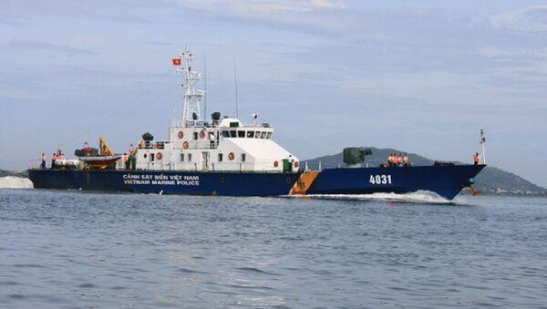 Hiện nay trong biên chế lực lượng Cảnh sát biển có 4 tàu tuần tra cao tốc TT-400, đó là các tàu CSB 4031, 4032, 4033 và 4034. Tàu tuần tra cao tốc TT-400 được đóng tại nhà máy đóng tàu Hồng Hà, tàu có chiều dài 54 m; rộng 9,3 m; lượng giãn nước 400 tấn. - Sputnik Việt Nam
