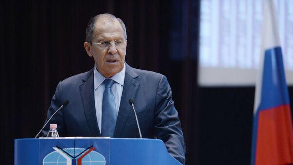 Bộ trưởng Ngoại giao Nga Sergei Lavrov phát biểu với các sinh viên tại trường MGIMO - Sputnik Việt Nam