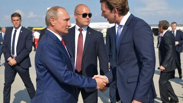 Tổng thống Nga Vladimir Putin và Thủ tướng Áo Sebastian Kurz - Sputnik Việt Nam