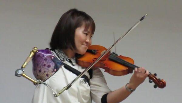 Nữ nghệ sĩ chơi vĩ Manami Ito - Sputnik Việt Nam