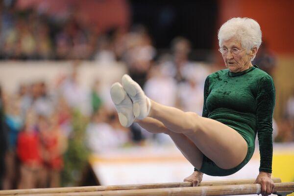 Một bà hưu trí người Đức là Johanna Quaas ở tuổi 86 năm lọt vào kỷ lục Guinness với tư cách là vận động viên thể thao cao tuổi nhất - Sputnik Việt Nam