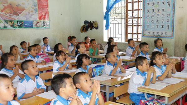 Giờ học tiếng Việt công nghệ của học sinh trường Tiểu học Quán hành, huyện Nghi Lộc - Sputnik Việt Nam