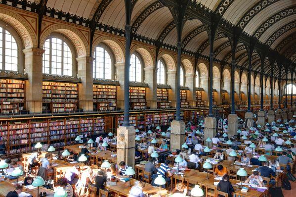Thư viện Saint Genevieve ở Paris - Sputnik Việt Nam
