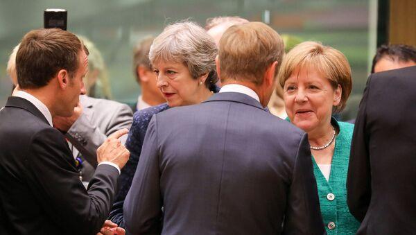 Angela Merkel và Theresa May - Sputnik Việt Nam