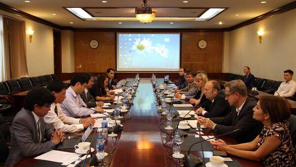 Trung tâm Khoa học và Văn hóa Nga tại Hà Nội đã kết thúc giai đoạn thứ mười của dự án Các trường Đại học Nga - Sputnik Việt Nam