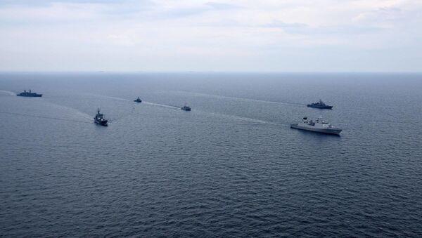Cuộc tập luyện chung của Hải quân Ukraina và tàu chiến NATO ở Biển Đen - Sputnik Việt Nam