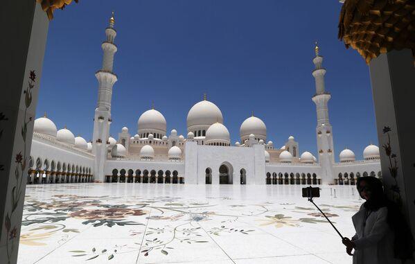 Nhà thờ Hồi giáo Sheikh Zayed ở Abu Dhabi - Sputnik Việt Nam