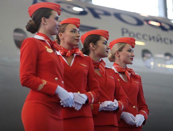 Chuyển giao chiếc máy bay Sukhoi Superjet 100 thứ 50 cho hãng hàng không Aeroflot - Sputnik Việt Nam