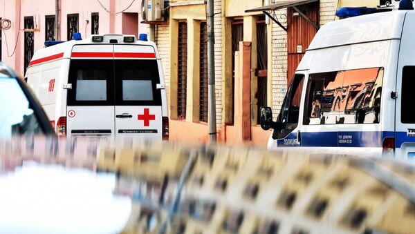 Автомобили скорой помощи и полиции на улице Москвы - Sputnik Việt Nam