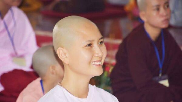 Hình ảnh Nguyễn Thị Hà bất ngờ xuống tóc khiến nhiều người bất ngờ. - Sputnik Việt Nam