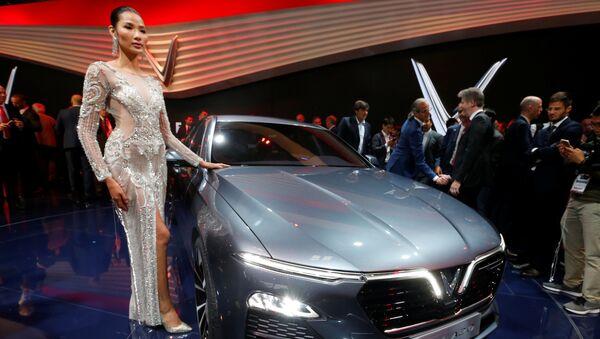 Xe VinFast Lux A2.0 tại Paris Motor Show, Pháp - Sputnik Việt Nam