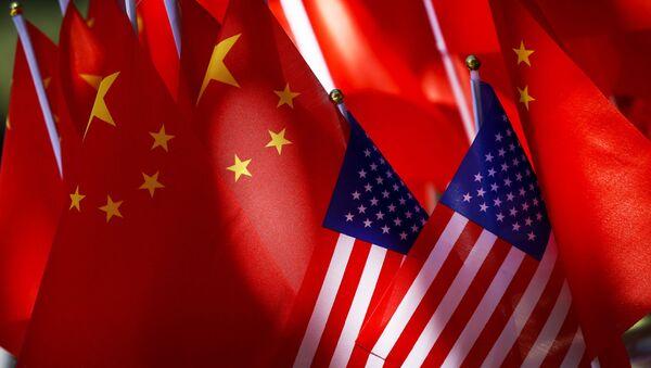 Quốc kỳ Mỹ và Trung Quốc - Sputnik Việt Nam