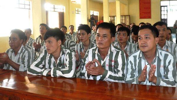 Các phạm nhân tại ngày nhận quyết định giảm án - Sputnik Việt Nam