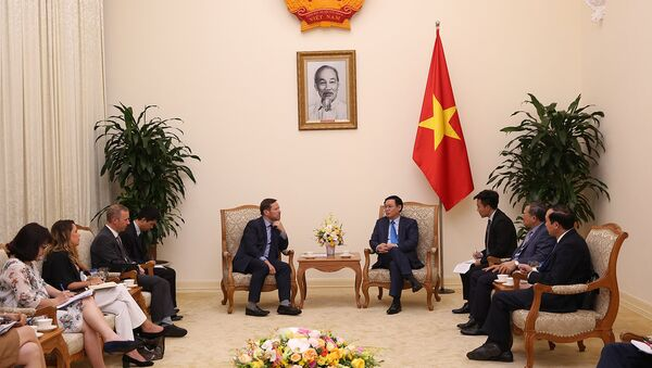 Phó Thủ tướng Vương Đình Huệ tiếp ông Edward Vaizey. - Sputnik Việt Nam