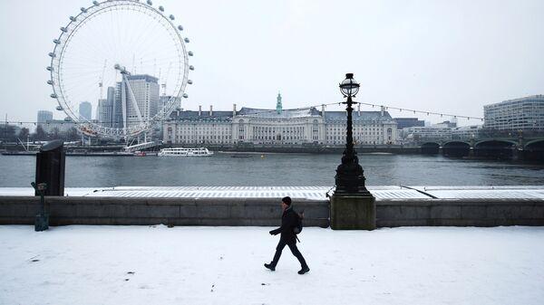 Заснеженная набережная в Лондоне, Великобритания - Sputnik Việt Nam