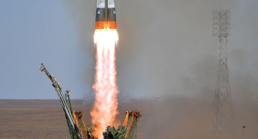 Phóng tên lửa đẩy  Soyuz-FG