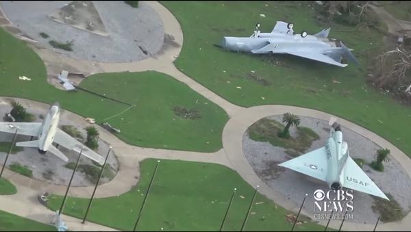 Ở Florida  bão Michael làm hư hại một số máy bay chiến đấu F-22 - Sputnik Việt Nam