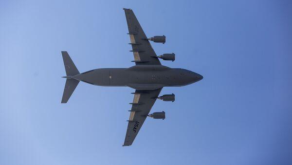 Chiếc máy bay vận tải quân sự Boeing C-17 Globemaster - Sputnik Việt Nam