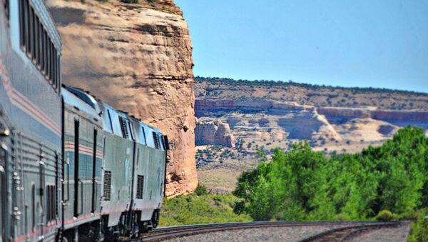 Đường sắt California Zephyr nối các thành phố Chicago và San Francisco của Mỹ - Sputnik Việt Nam