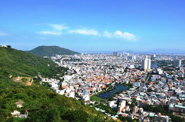 Cảnh bờ biển Vũng Tàu, nhìn từ tượng Chúa Kitô - Sputnik Việt Nam