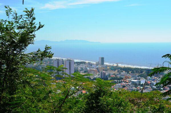Quang cảnh bờ biển Vũng Tàu từ ngọn Hải Đăng - Sputnik Việt Nam