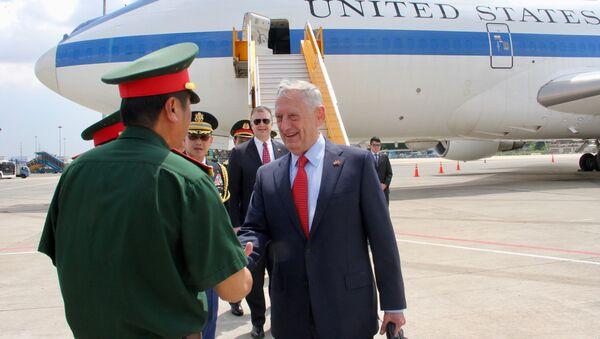 Bộ trưởng Quốc phòng Mỹ James Mattis tới TP Hồ Chí Minh - Sputnik Việt Nam