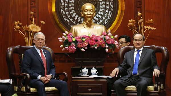 Bộ trưởng Quốc phòng Mỹ James Mattis gặp Bí thư Thành ủy TPHCM Nguyễn Thiện Nhân - Sputnik Việt Nam