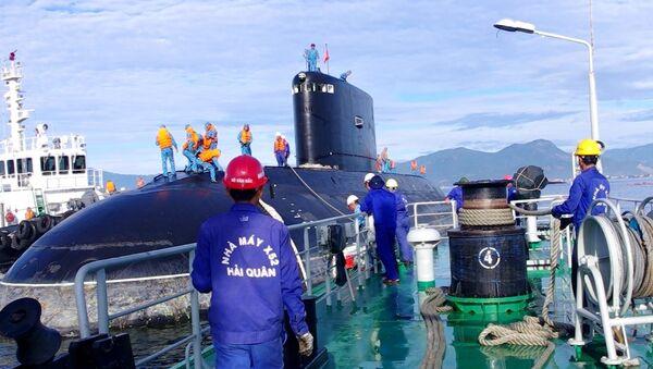 Kiểm tra kỹ thuật tàu ngầm Kilo tại Nhà máy X52 - Sputnik Việt Nam