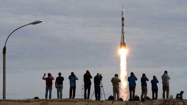 Tàu vũ trụ Soyuz TMA-18M khởi hành từ sân bay Baikonur - Sputnik Việt Nam