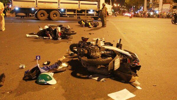 Hiện trường vụ nữ tài xế lái BMW gây tai nạn liên hoàn ở Sài Gòn - Sputnik Việt Nam