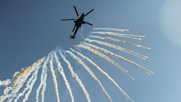 """Chuyến bay trình diễn của  máy bay trực thăng tấn công Mi-28N """"Thợ săn đêm"""" - Sputnik Việt Nam"""
