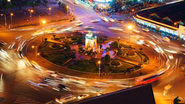 Giao thông đường bộ ở trung tâm thành phố Hồ Chí Minh, Việt Nam - Sputnik Việt Nam