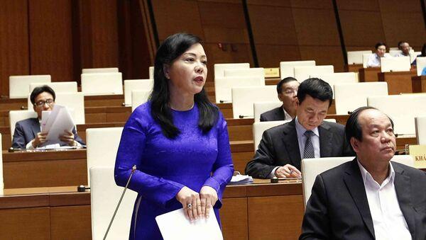 Bộ trưởng Bộ Y tế Nguyễn Thị Kim Tiến phát biểu làm rõ một số vấn đề đại biểu Quốc hội nêu - Sputnik Việt Nam