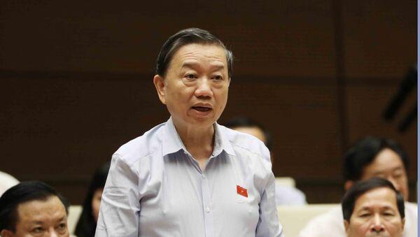 Bộ trưởng Bộ Công an Tô Lâm trả lời chất vấn của các Đại biểu Quốc hội. - Sputnik Việt Nam